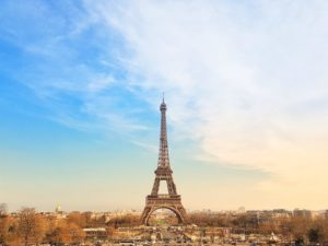 A virtual tout of the Eiffel Tower.